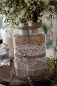 Egyedi esküvői poharak, ajándékok és ízléses esküvői dekorációs kellékek készítése.